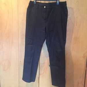 Sz 2.5 (14) Chico's So Slimming casual black pant